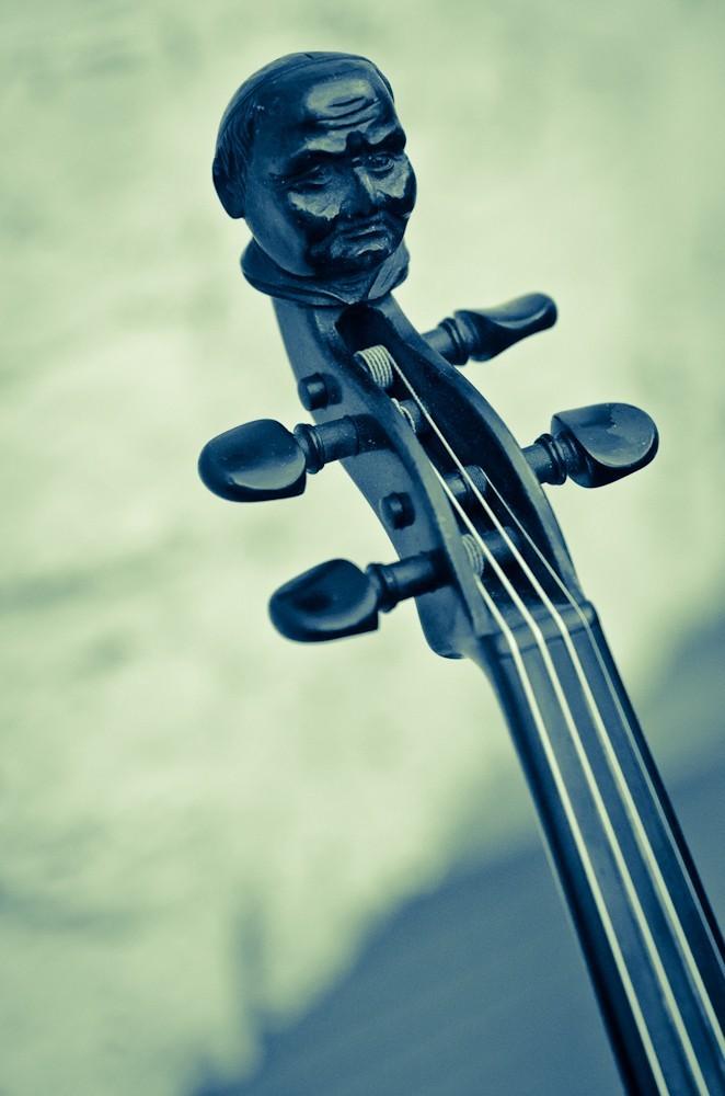 Der Mönch an der Geige